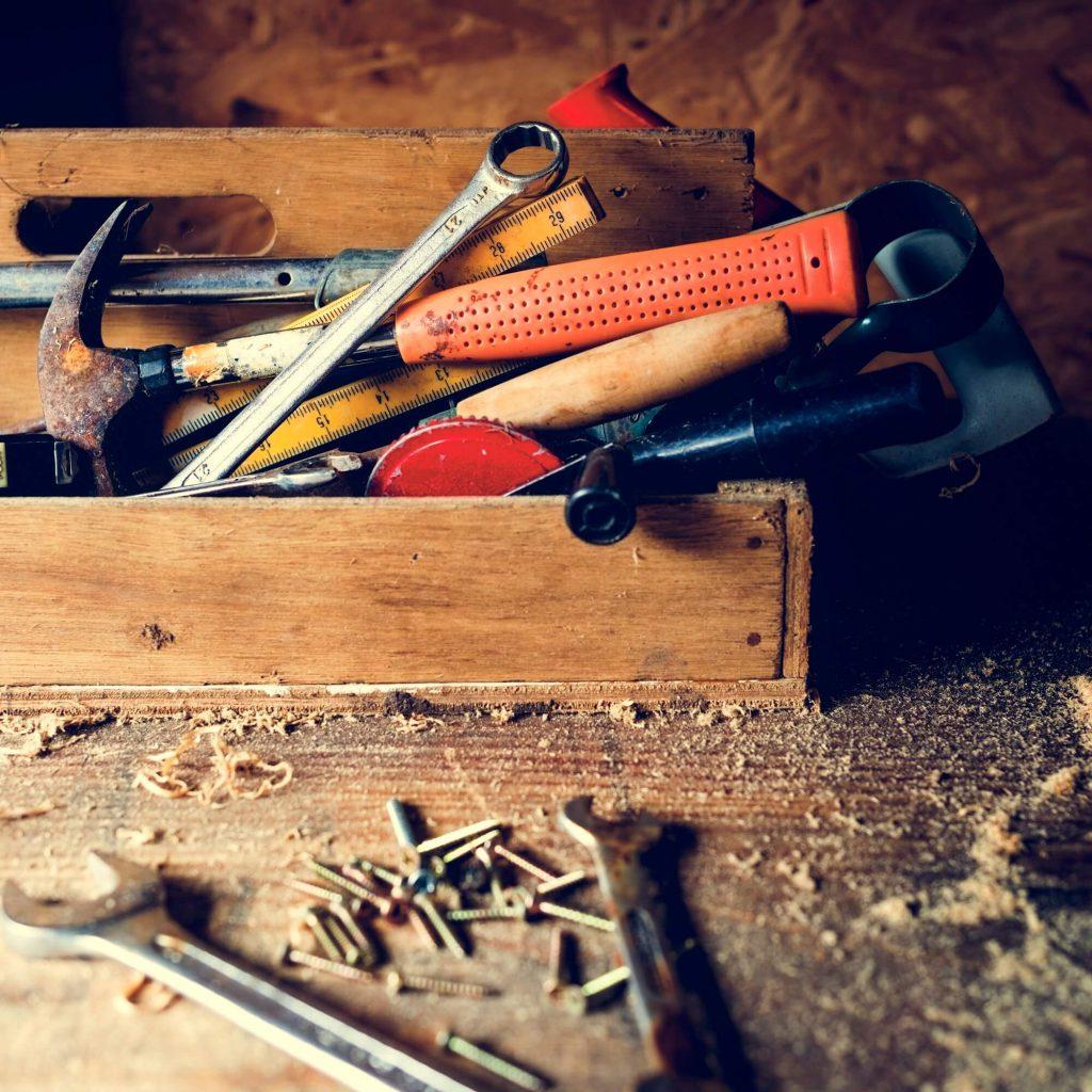 carpenter-craftman-lumber-timber-woodwork-concept-1.jpg