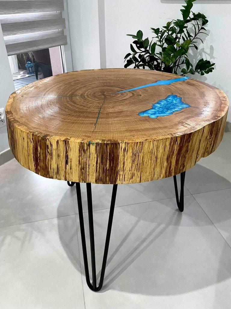 Nozki-do-stolik-z-niebieską-żywicą